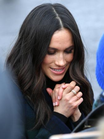 Ze houdt ervan om meerdere ringen te dragen en zelfs te stapelen