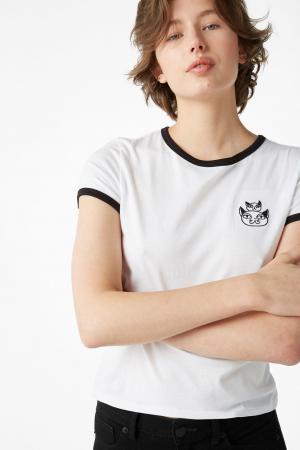 T-shirt van organisch katoen met zwart kraagje en kattentekening
