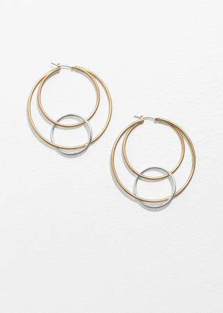 Goudkleurige oorringen met zilverkleurige cirkels