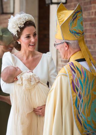 Mama Kate met haar zoontje prins Louis en aartsbisschop Justin Welby