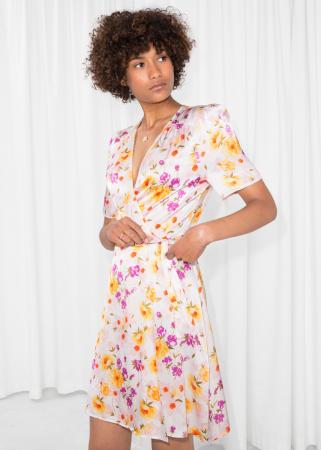 Robe portefeuille courte à motif floral