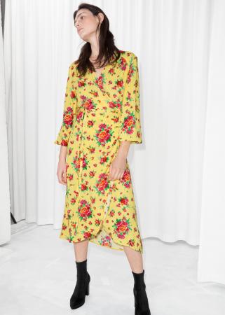 Robe portefeuille jaune à imprimé fleuri