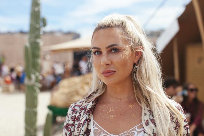 Eline (25)