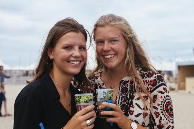 Charlotte (17) en Emilie (17)