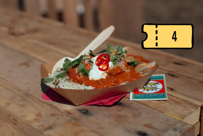 Butter chicken van gemarineerde en gegrilde kip in een saus van cashewnoten, tomaten en Indische kruiden