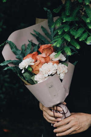 Het huis vol bloemen zetten