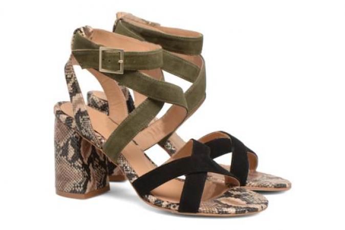 Kaki sandalen met pythonprint