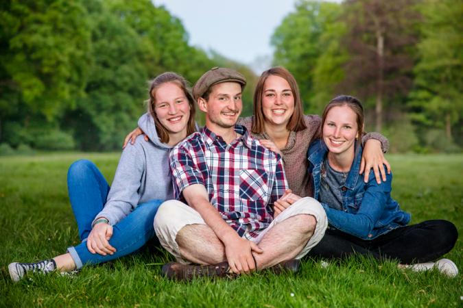 Boer Jitse neemt Marlies (19, Steenokkerzeel), Siska (18, Denderbelle) en Christy (20, Kalmthout) mee naar Noorwegen