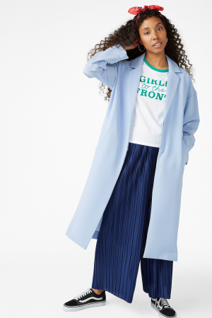 Babyblauwe mantel