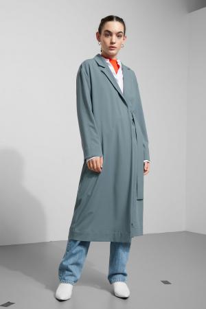 Grijsblauwe mantel met riem