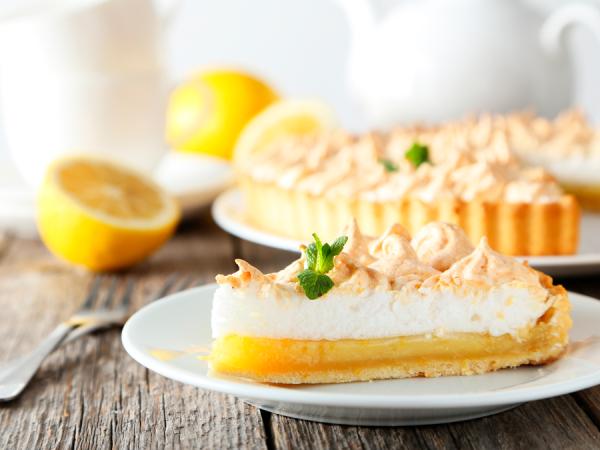 Stuk citroen-meringuetaart