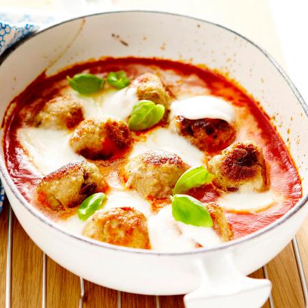Balletjes met tomaat en mozzarella