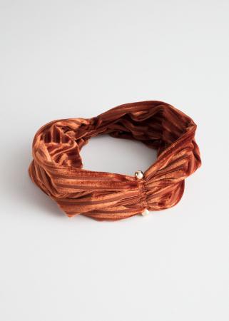 Fluwelen haarband in roest met streepjesmotief