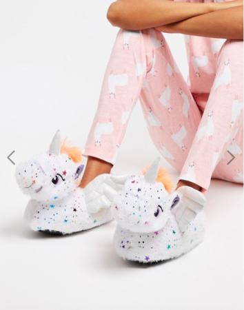 Pantoffels in de vorm van een unicorn
