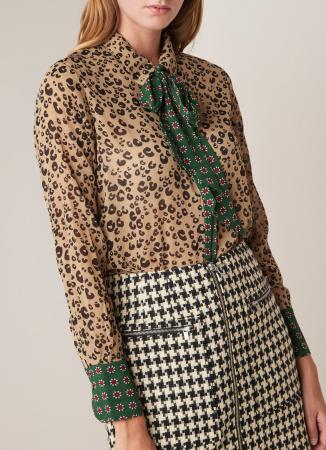 Transparante blouse met luipaardprint en strik met bloemenmotief