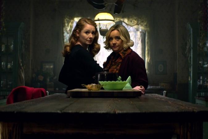 7. De twee tantes van Sabrina zijn fantastisch