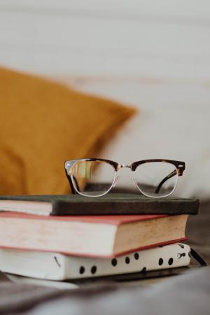 6. Lees alle boeken op je nachtkastje