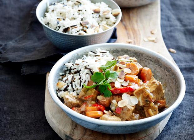 Thaise curry met tofu en rijst