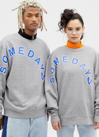 Sweatshirt gris à inscription unisex