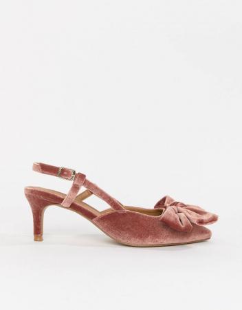 4. Kitten heels