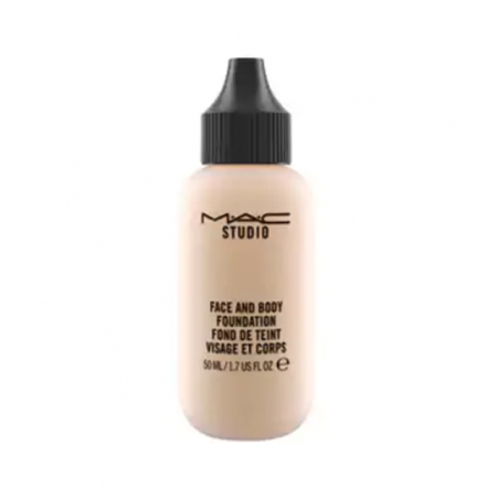 Face and Body Foundation van MAC Cosmetics