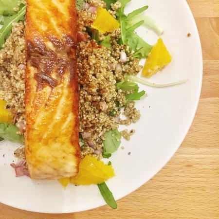Midden-Oosterse zalm met quinoa, munt en bloedsinaasappel
