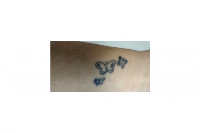 Helga (27) schaamt zich voor haar kinderachtige tatto