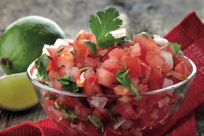 Zelfgemaakte tomatensalsa