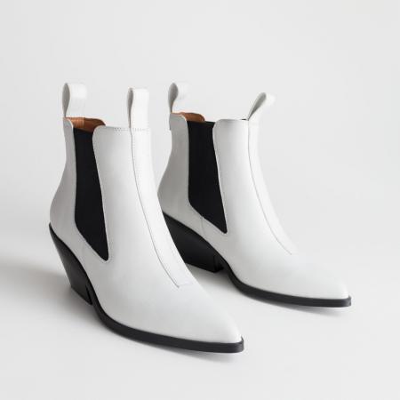 Des bottines blanches