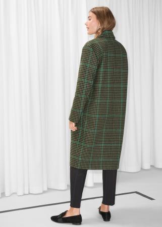 Long manteau à carreaux dans les tons verts