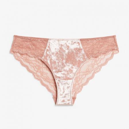 Culotte rose en dentelle et velours
