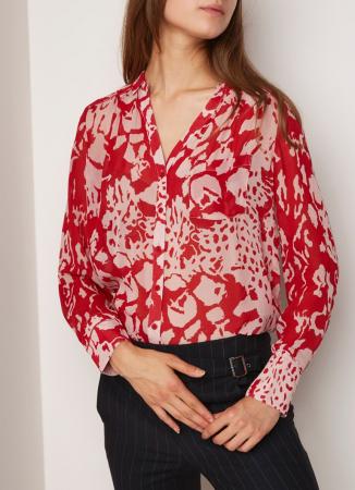 Rood hemd met witte bloemenprint