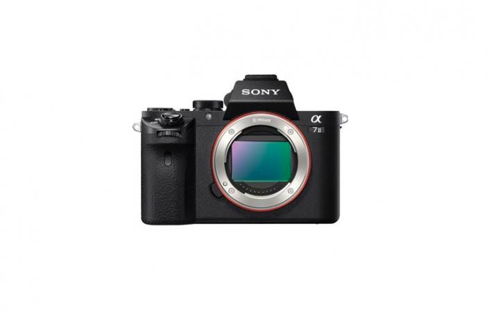 Pack hybride SONY Alpha A7 II + objectif FE 28-70 mm f/3.5-5.6 + objectif 50 mm f/1.8 + sac + carte SD 16 Go