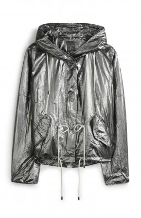 Veste à capuche 23€