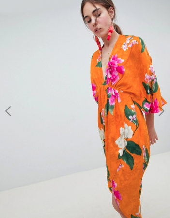 Oranje kimonojurk met fuchsia bloemenprint