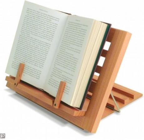 Alles om het lezen makkelijker te maken: verstelbare boekensteun