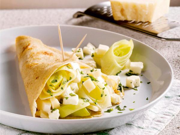 Vegetarische boekweitpannenkoeken met kaas en prei