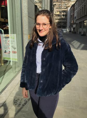 Julia (15)