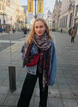 Eva (17)