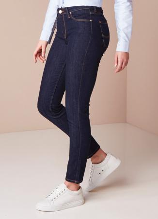 De donkere straight leg jeans