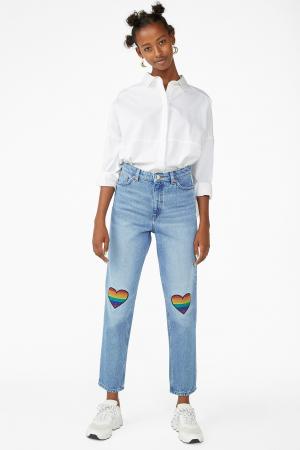 Lichte jeansbroek met regenboogkleurige patches