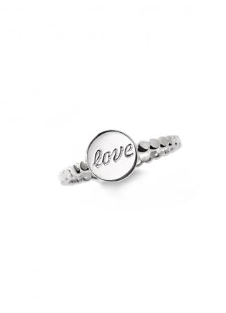 Zilveren ring met opschrift 'Love'