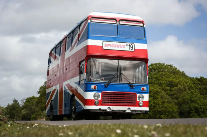 De Union Jack-vlag tourbus.