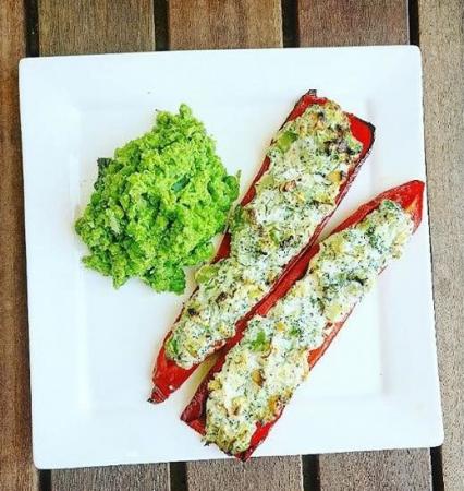 2. Gevulde zoete paprika's met groentenpuree