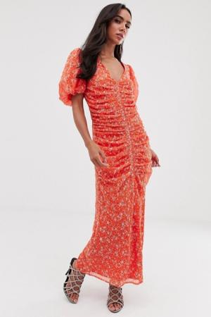 Rode maxi-jurk met pofmouwen en bloemenprint