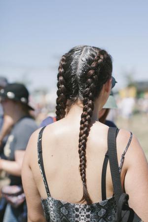 De festivaltrend:boxer braids en glitter roots