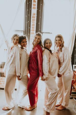 Gepersonaliseerde pyjama's in satijn