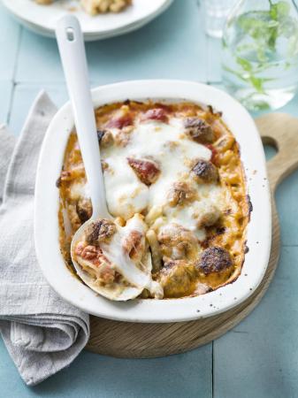 Macaroni met kaas en balletjes
