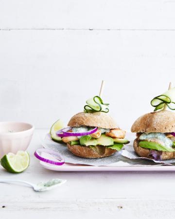 Kipburgers met avocado