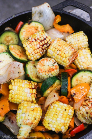 Légumes cuits au feu de camp